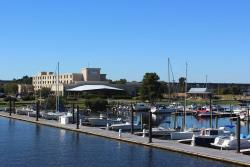 BridgePointe Hotel And Marina