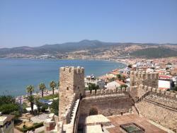 Candarli Castle