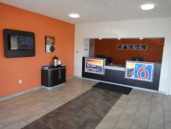 Motel 6 Clinton