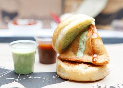 Shree Sai Vada Pav