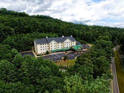 Hampton Inn & Suites Cashiers-Sapphire Valley