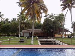 Peaceful and relaxing stay right next to the Vembanad lake