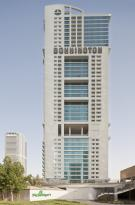 โรงแรมบอนนิงตันจูเมราห์เลคส์ทาวเวอร์