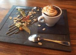 Le St-Charles Cafe Bistro