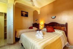 Hotel Bucaneros Hotel & Suites