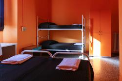 7 Santi Hostel