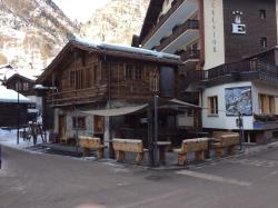 Harry's Ski Bar
