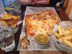 La Dolce Vita Pizza Burger Bar