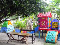 Family Friendly Playground and Cafe