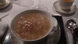 ツバメの巣のシーフードスープ