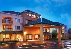 Courtyard by Marriott Cleveland Airport/North