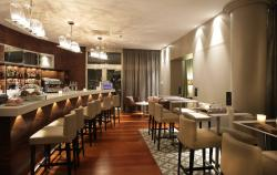 Blu Lounge Restaurant & Bar