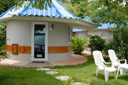 Koh Mak Buri Hut