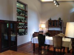 Casa Coupage Room