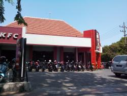 KFC Raya Darmo