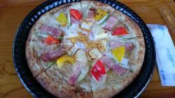 人気のカルボナーラピザ