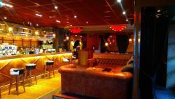 Bowlers Restaurant & Bar