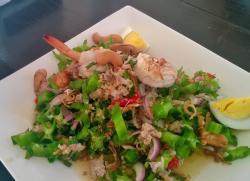 Ban Amphoe Seafood Restaurant