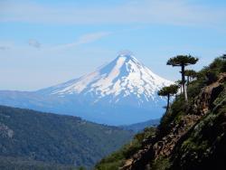 Volcán Llaima, desde la ruta hacia la cima del volcán Tolhuaca