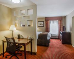 Quality Suites Nashville Airport