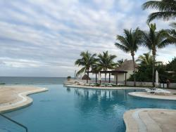 Paradise , both beach and tropical!