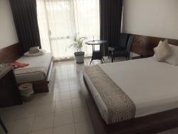 bed (room No. 209)
