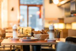 Schwarzmarkt Cafe