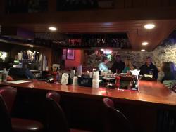 Good food w/ bar atmosphere