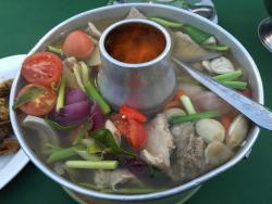 Ruean Rim Nam Restaurant