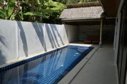 8m long private swimming pool