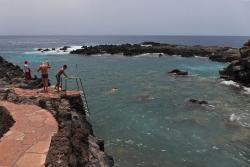 Натуральный бассейн на пляже Такорон (173270210)