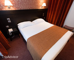 The Standard Double Room at the Volney Opera Hotel