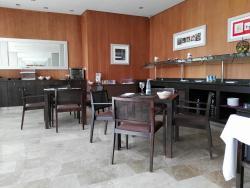 Xon's Valencia Restaurant