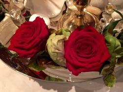 Rose in insalata centro tavolo