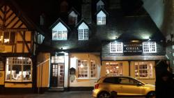 Myddelton Grill On The Square