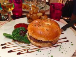 Les Bords de Seine Hotel-Restaurant