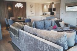 Open plan kitchen, living room and dining room. Very comfy sofa!!!