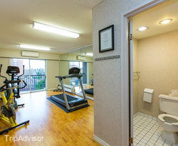 Fitness Center at the Ramada Victoria