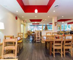 Crow's Restaurant at the Ramada Victoria