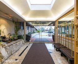 Lobby at the Ramada Victoria