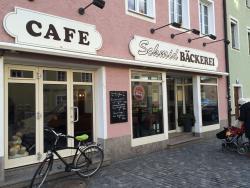 Cafe La Roche