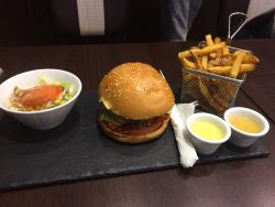 Nessma Burger