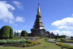 Phra Maha Dhatu Naphamethinidon and Naphaphonphumisiri Pagoda