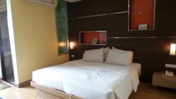 โรงแรมดีเอส 67 สวีท
