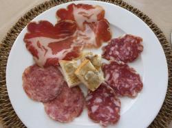 Il salame nobile del Giarolo, la coppa piacentina,i crostini al gorgonzola e noci