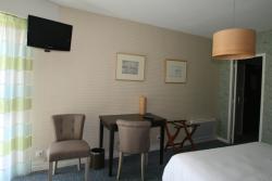 Chambre privilège triple, 1 lit grand confort 160x200 literie et 1 lit 90x190, grande salle d'ea
