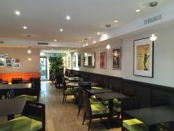 Le Zinc Cafe