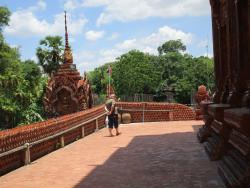 Wat Phu Khao Kaeo