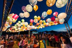 Enlighten Night Noodle Markets (175763205)
