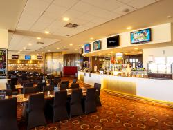 Tabcorp Park - Home Straight Bistro